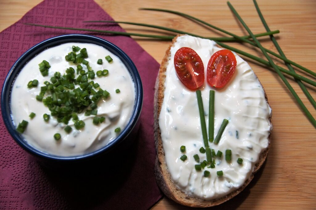 vegan cottage cheese with chives