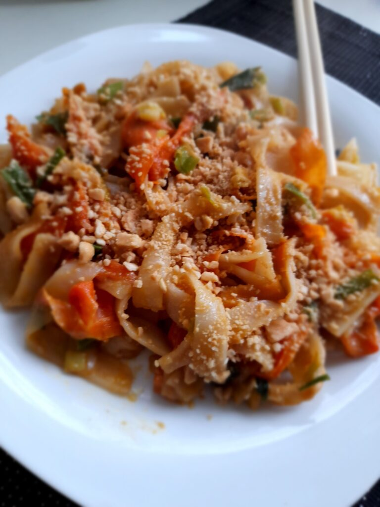 vegan pad thai with thick noodles